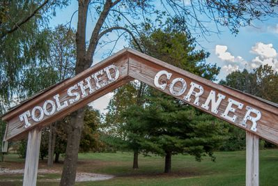 Toolshed Corner - Close to Shawnee National Forest hiking.