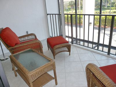Photo for Perfectly located condo w/ heated pool across the street from South Beach