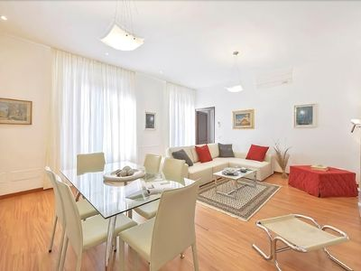 Photo for Medici - Lovely 3 bedroom,  2 minutes from Santa Croce cathedral