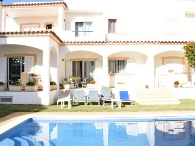 Photo for Fantastic villa with pool on the beach of Falésia Albufeira.