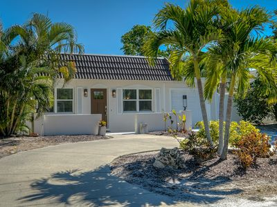 Photo for 3 bedroom, 2 bathroom canal front home with a heated pool located in Anna Maria.