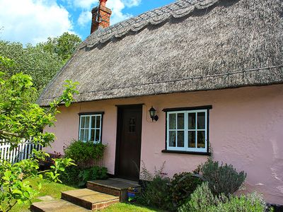 Photo for Pump Cottage. Historic thatched cottage, Peaceful & Cosy. Pet friendly