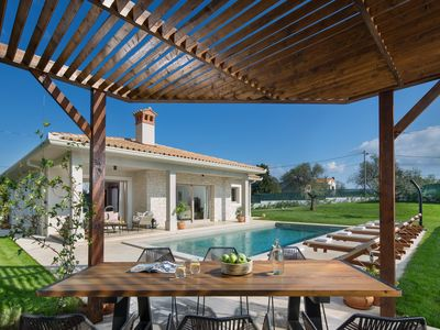 Photo for Modern and quiet villa with pool for up to 6 people
