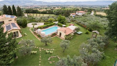 Photo for Peaceful rural countryhouse 10 km from Assisi - swimming pool, wifi, bikes, spa