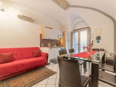 Photo for Torre Argentina Charming Apartment