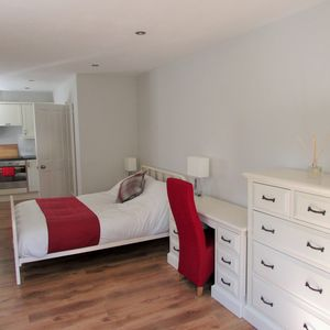 Photo for 1BR Apartment Vacation Rental in Cambridge, England