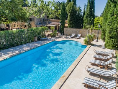 Photo for Southern Luberon, superb farmhouse with swimming pool, tennis, golf nearby