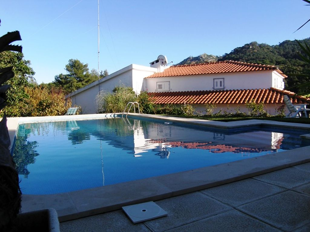 Beautiful houses with pools and garden - Villa Lello Beautiful Villa In Colares Garden And Pool Near Beach House And Pool