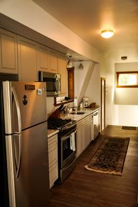 Newly remodeled modern kitchen, to meet all your cooking needs.