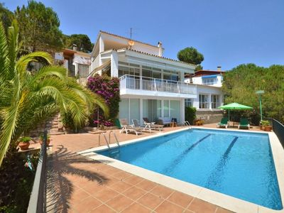 Photo for Beautiful private villa with private pool, WIFI, TV, balcony, washing machine and parking