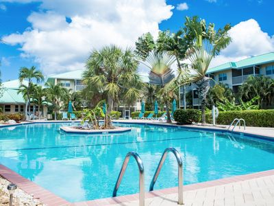Photo for Gorgeous 2 bed 2 bath Condo Heart of Seven Mile Beach