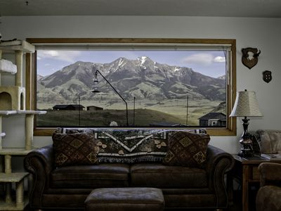 Photo for Monarch Garden Inn Penthouse Apt 180° Mnt View, AC, Wi-Fi, Jacuzzi, Yellowstone