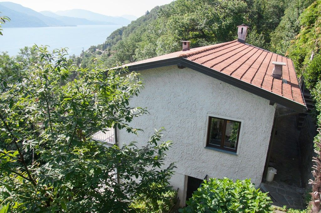 very nice apartment in cannobio with panoramic views. Black Bedroom Furniture Sets. Home Design Ideas