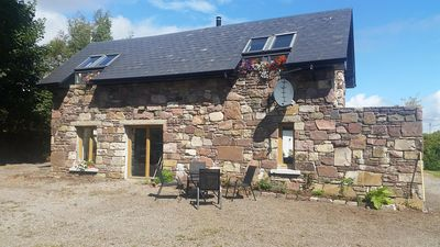 Photo for Beautifully renovated country cottage and integrated barn facing Loch Mask