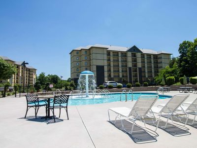 Heart of PIGEON FORGE! Unit #3407 Mtn Views-Indoor/Outdoor Pools-Playground-Balcony-WiFi **FREE FUN