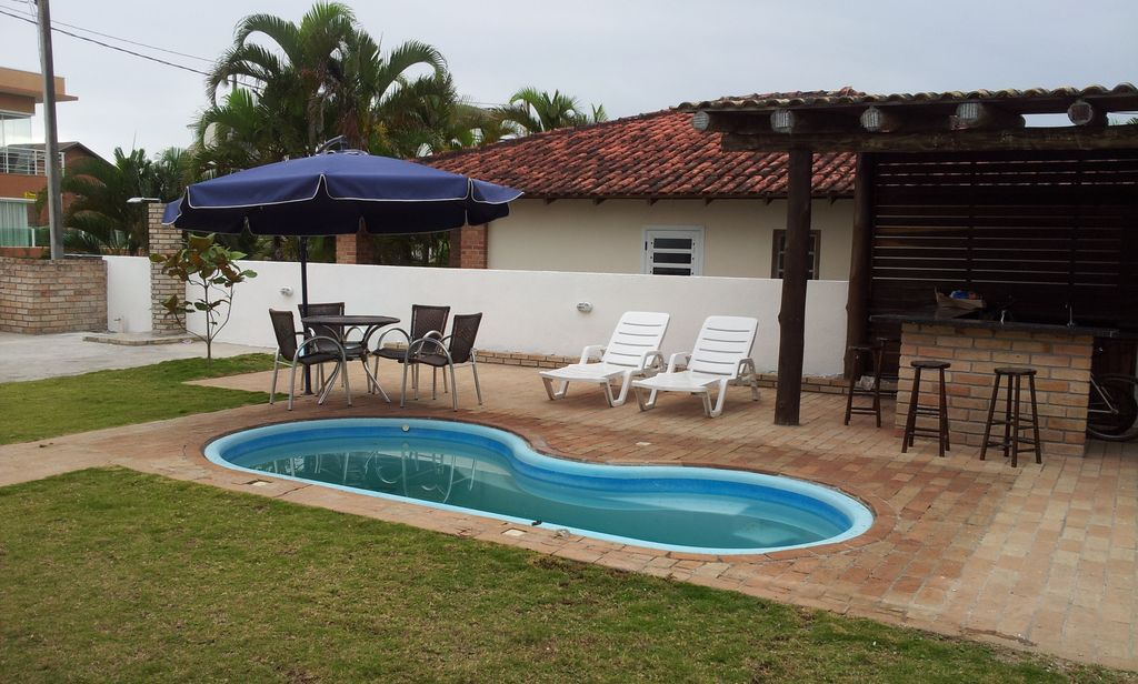Swimming Pool Air Conditioning : Swimming pool air conditioning guests condominium