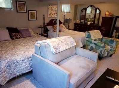 king bed and full bed