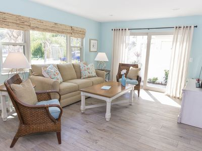 Super Cute, Super Clean Large One Bedroom - Fully Remodeled!