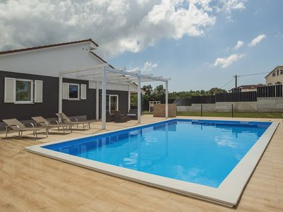 Photo for Special villa near Rovinj with private pool, 3 bedrooms, 2 bathrooms, air conditioning, wireless internet, sauna, terrace and barbecue