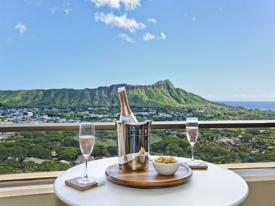 Great for small families!  Diamond Head and Ocean Views!