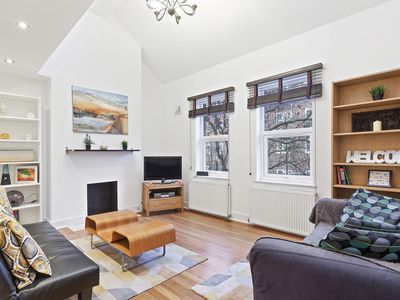 Photo for 2bed duplex w/roof terrace near Vauxhall