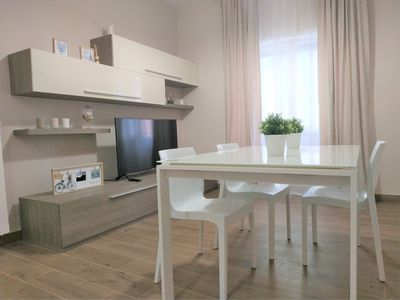 Photo for La Maison Apartment Rome - 15 minutes from Trastevere station