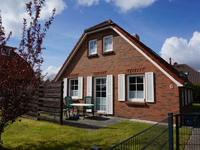 Photo for Detached thatched house on the North Sea - pure relaxation!