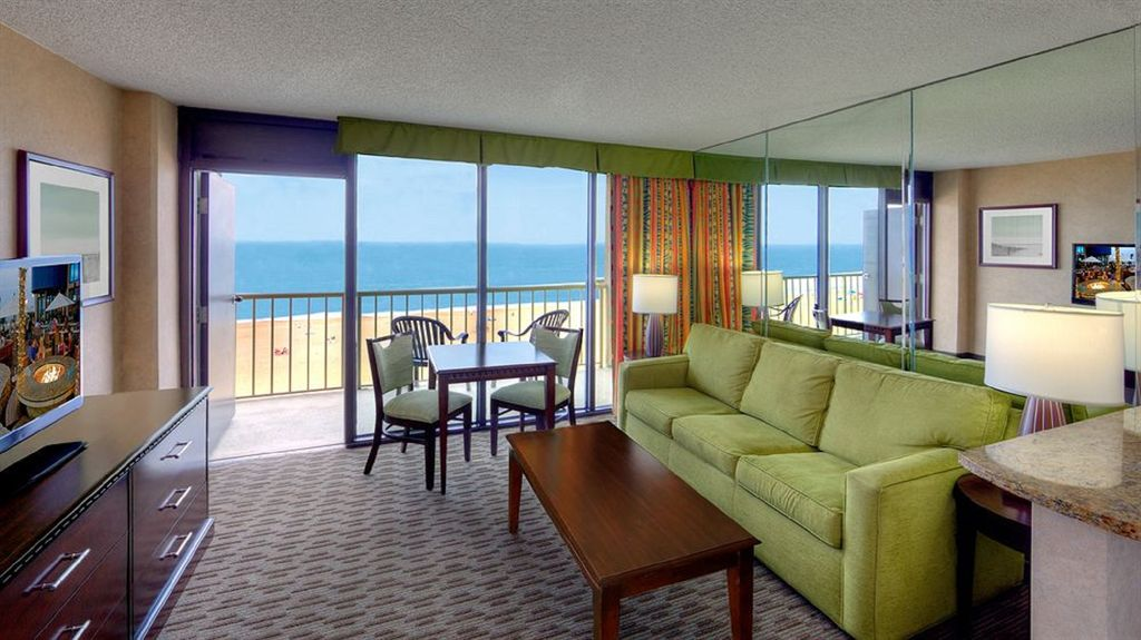 Oceanfront Virginia Beach Quarters Resort 1 Bedroom Aug 26 Sep 2 2017 Only Virginia Beach