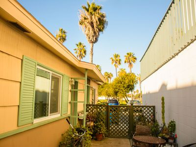 Photo for Cozy Studio/Flat Steps to Ocean 747- Sleeps 2, BBQ, Bike Rack, Surfboard