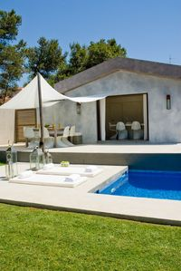 Photo for Luxurious Villa located in Quinta da Bicuda 2 minutes from Quinta da Marinha