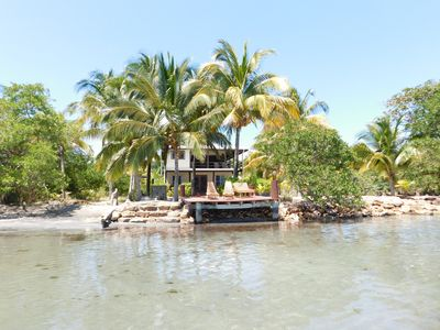 Photo for Shallow Bay - oceanfront romantic hideaway, ocean breezes and gorgeous views