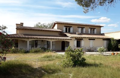 Photo for Comfortable holiday home with large garden close to Aigues-Mortes