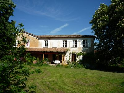 Photo for La Villa Catalpa, Large Family House, 15mn from Lyon, Swimming Pool, 12 Pers.