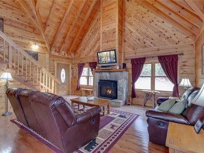 Photo for Bear View, 3 Bedrooms, Hot Tub, Fireplace, Grill, Pool Access, Sleeps 6