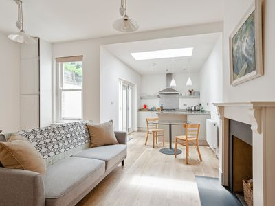 Photo for Amazing 1 Bed Apartment with Patio in Chelsea