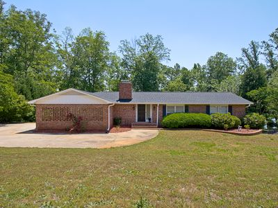Photo for 4 BR, Close to Clemson, Private Dock, Pontoon Rental, Tennis & Baksetball Ct.