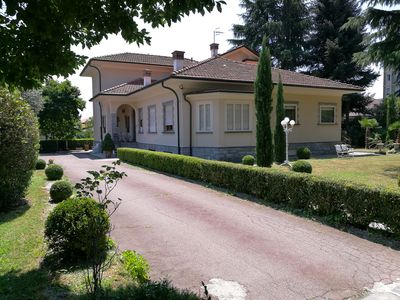 Photo for Apartment in Elegant VILLA with Large Equipped Garden and Parking