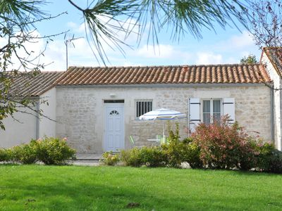 Photo for Gîte with heated indoor pool all year round 15 km from the sea