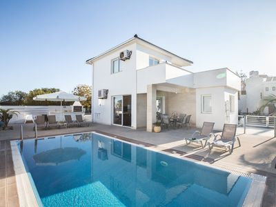 Photo for Villa Toyah, Contemporary 3DR Pernera Villa with Pool, Close to all amenities