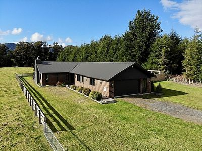 Photo for Pinetree Lodge - Ohakune Holiday Home