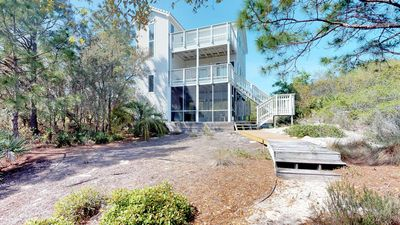 """Photo for Ready to rent now! FREE BEACH GEAR! Plantation, Pets, Semi-Private Pool, Screen Porch, Fireplace, 4BR/3BA """"Panorama"""""""