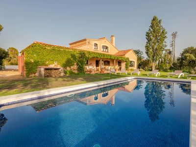 Photo for Magnificent country house 13 minutes from the best beaches of the Costa Brava