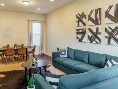 Photo for ⭐Spacious Apartment⭐Cubs | 7mins to Wrigley❤️