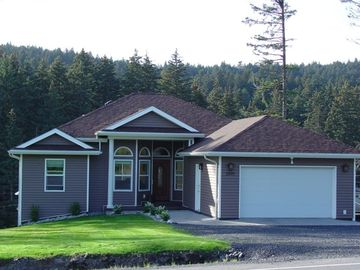 Kodiak Alaska Executive Modern Vacation Rental Home With Huge Heated Garage.