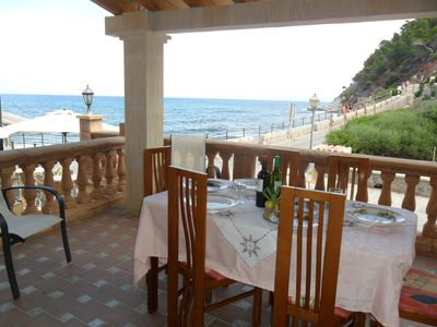 Terrace with lovely views of the mountain range and sea. (Large table)