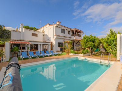 Photo for Private Heated Pool Villa for 10 in Vega de San Mateo, Gran Canaria