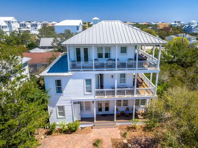 Photo for Sleeps 12 people * Close to Rosemary Beach