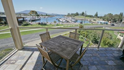 Photo for Vista Marina 5: Spectacular harbour views with great location - walk to shops, cafes & club