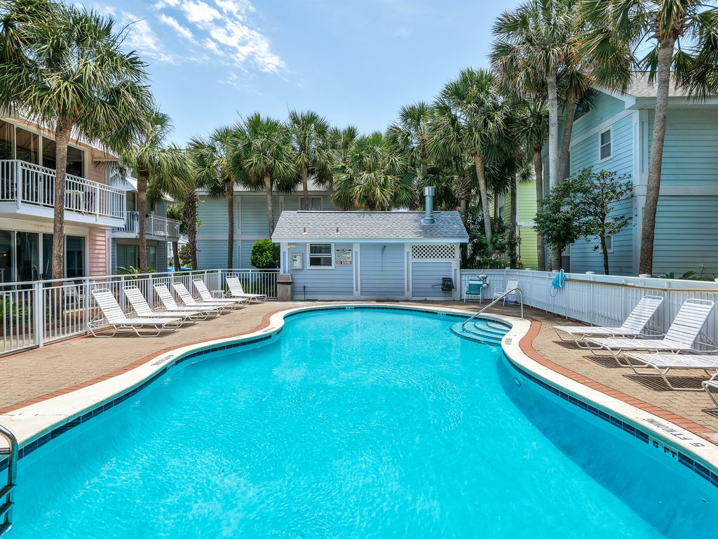 rental beach destin rainbow crystal fl nantucket holiday condo cottages
