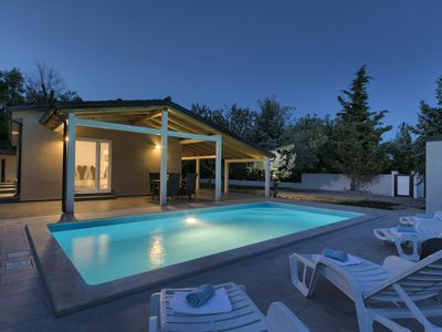 Photo for Noelene - Cozy house, Private Pool, BBQ, Quiet area, HIGH level of Privacy